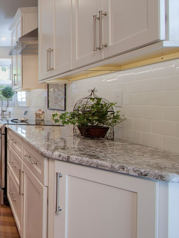 kitchen facelift countertop stools 7 tips for a renovation st louis mosby cabinet doors and hardware