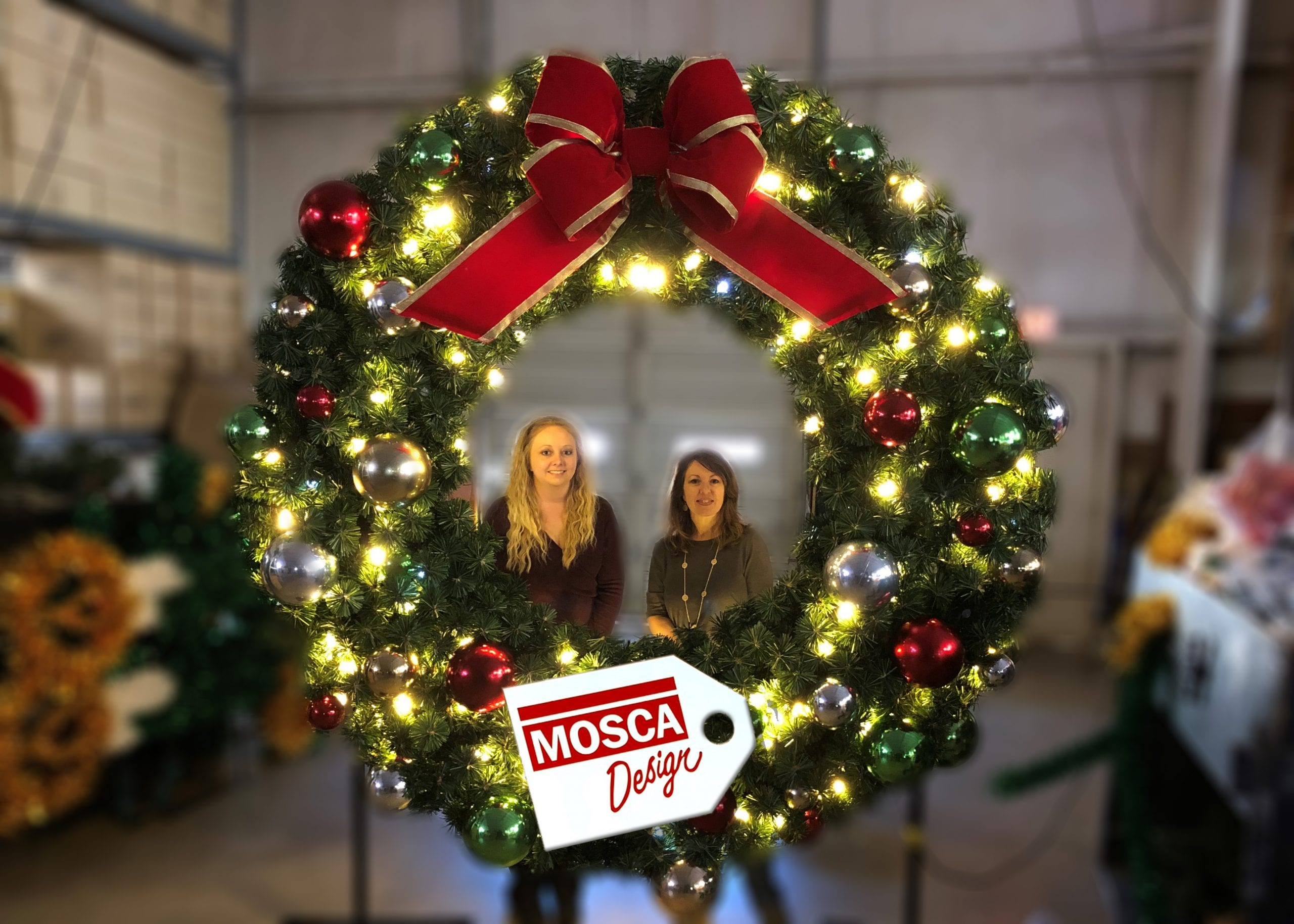 Photo Op Wreath with Tag