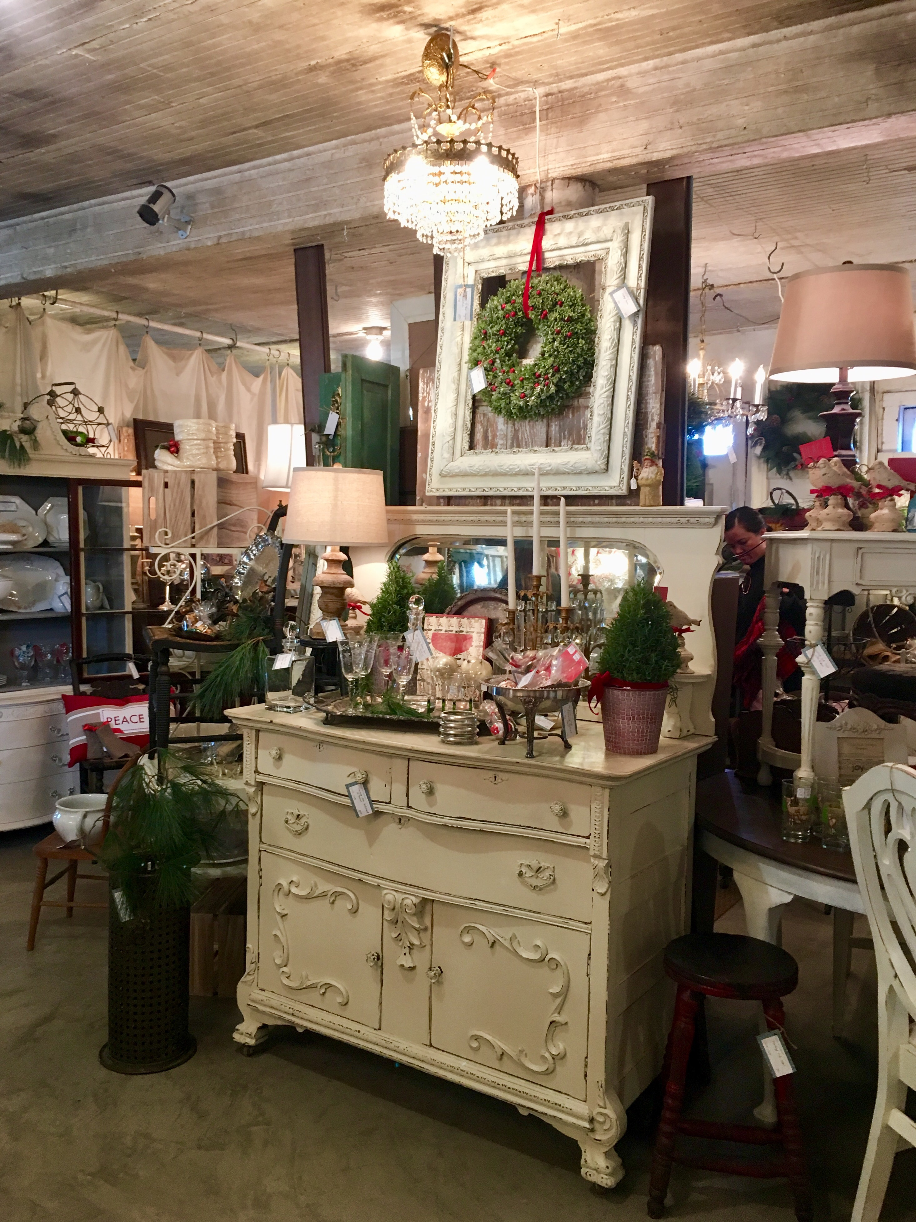 next on the tour down the street was the buckeystown design co op this is a bit more of an upscale and curated home decor shop - Home Design And Decor Shopping