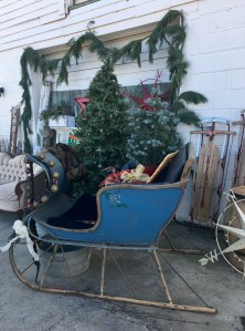 Christmas decor Sweet Clover Barn