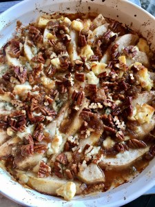 Baked Pears with Pecans and Gorgonzola Cheese