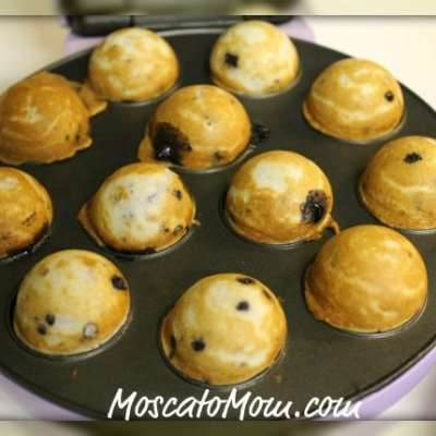 Blueberry Muffin Cake Pops