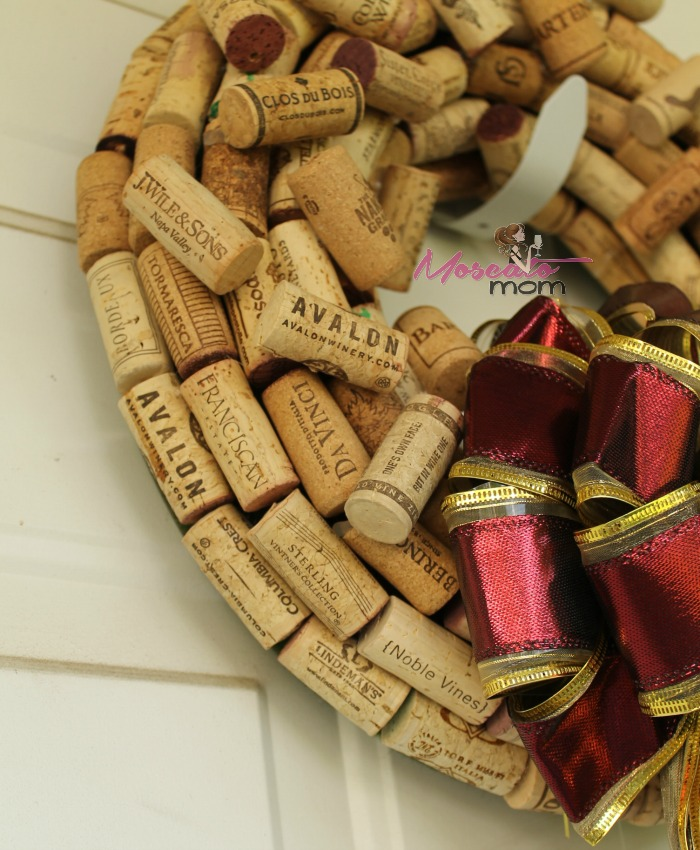 how to make a wine wreath