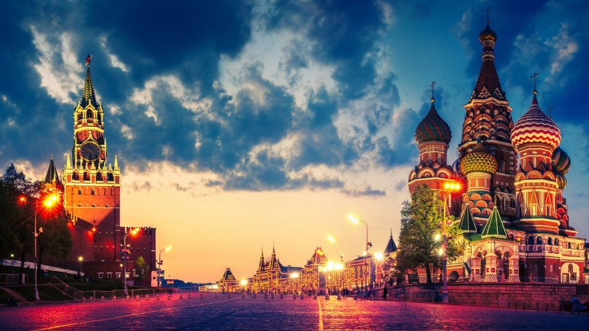 A picture of the Red Square at dusk
