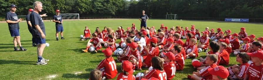 Herbstferien-Campin Kooperation mit Anstoß-Die Fußballschule