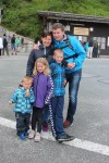 Familien på vei opp til Ørnerede