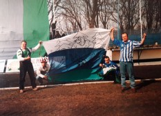 1998. Kibiców przygotowania do meczu