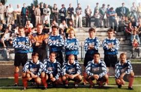 1999. Przed meczem z Kaszubią Kościerzyna.