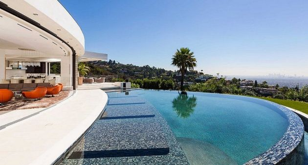 Hillcrest Drive Mosnar Communications #LuxuryHomes