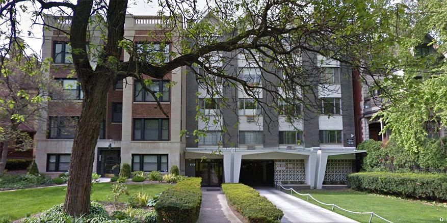 four plus one apartment Lincoln park