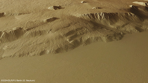 Perspective_view_of_Olympus_Mons_flanks_large-1