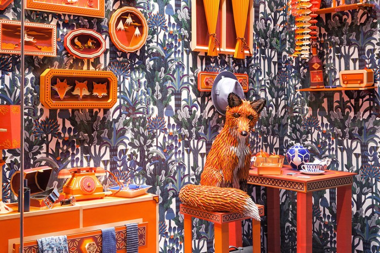 zim-zou-fox-den-window-hermes-barcelona-designboom-02