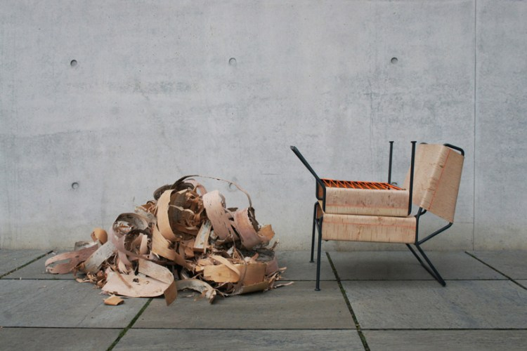 anastasiya-koshcheeva-sibirjak-lounge-chair-birchbark-designboom-01