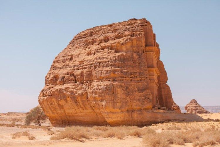qasr-al-farid-the-lonely-castle-madain-saleh-saudi-arabia-unesco-1