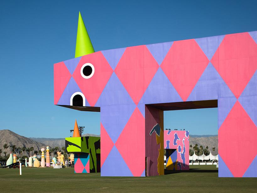 coachella-art-installations-moss-and-fog5