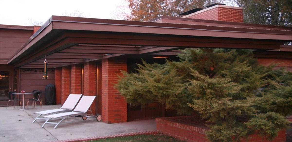 Frank Lloyd Wright Home Moss and Fog 5