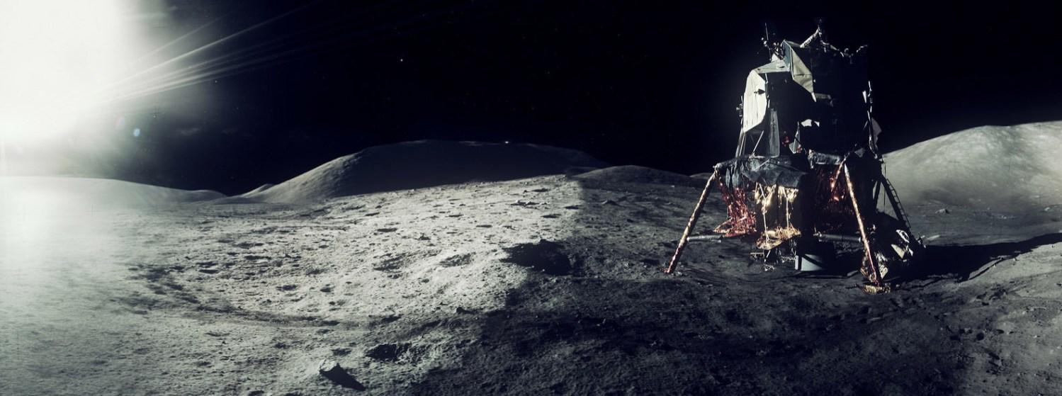 Apollo landing