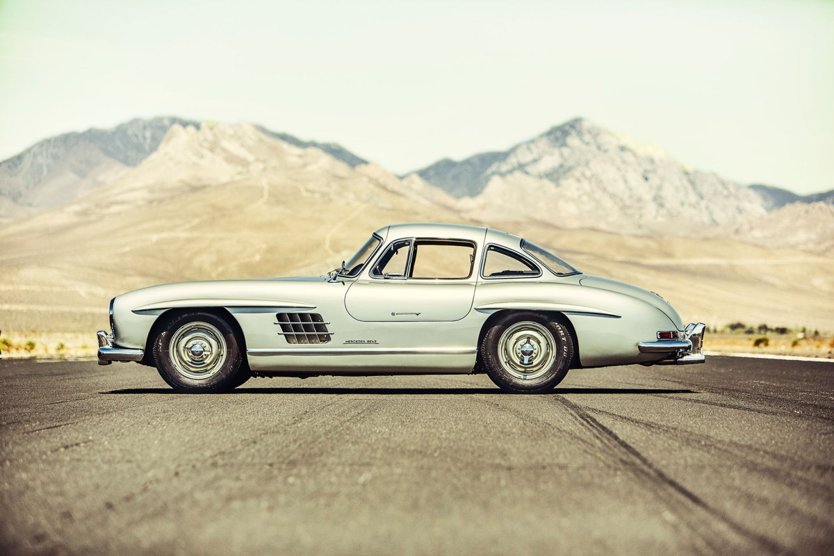 mercedes 300 SL gullwing moss and fog 2