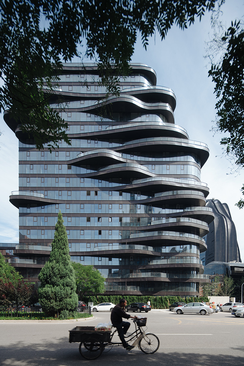 MAD-architects-chaoyang-park-plaza-moss and fog 6