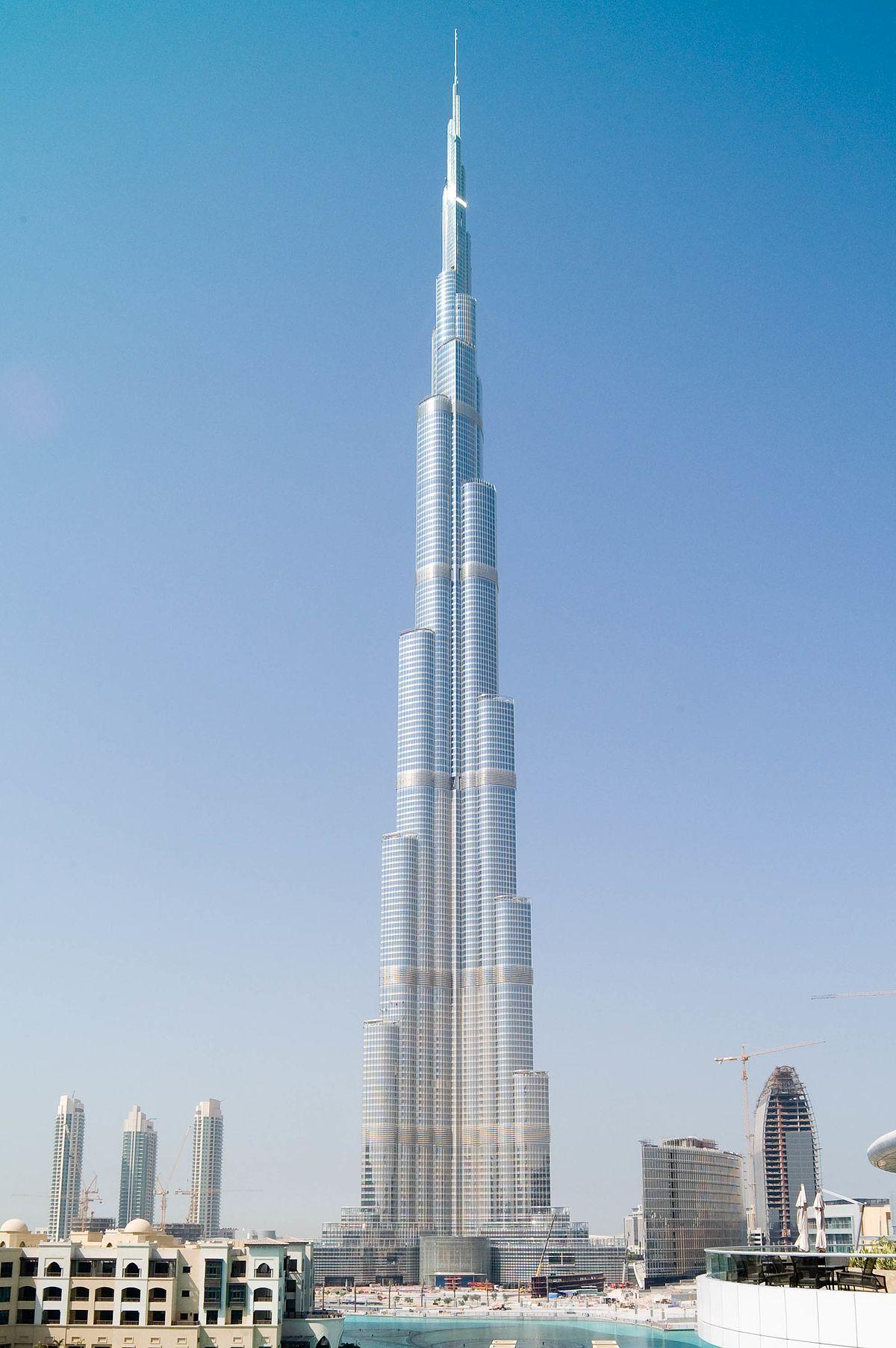 worlds tallest skyscrapers moss and fog burj khalifa 2