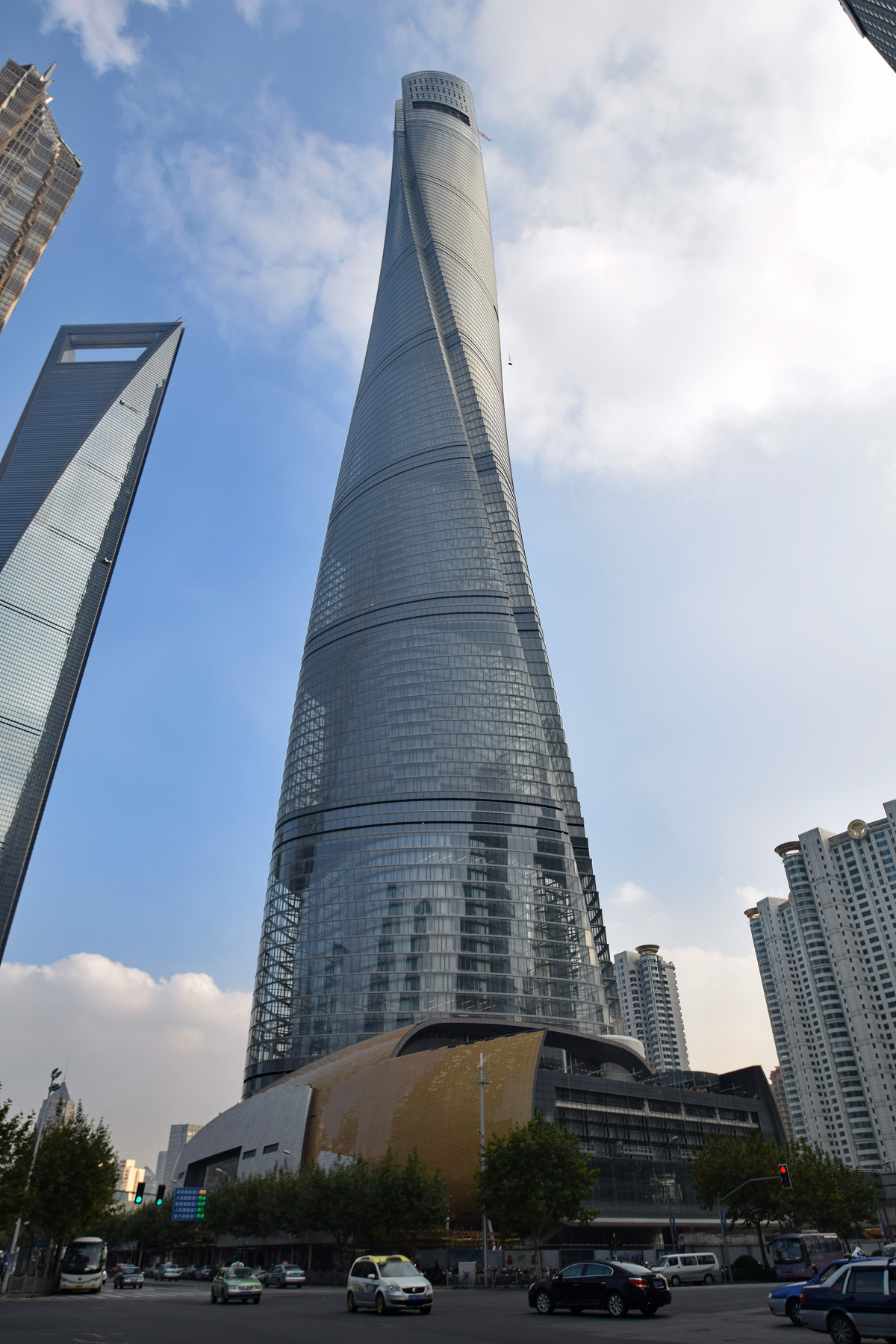 worlds tallest skyscrapers moss and fog shanghai tower
