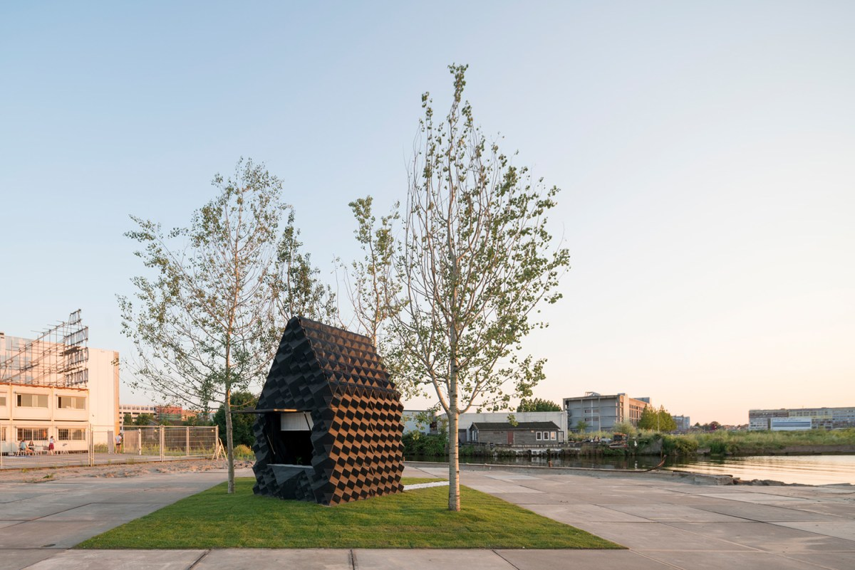 3d-printed-home-amsterdam-moss-and-fog-11
