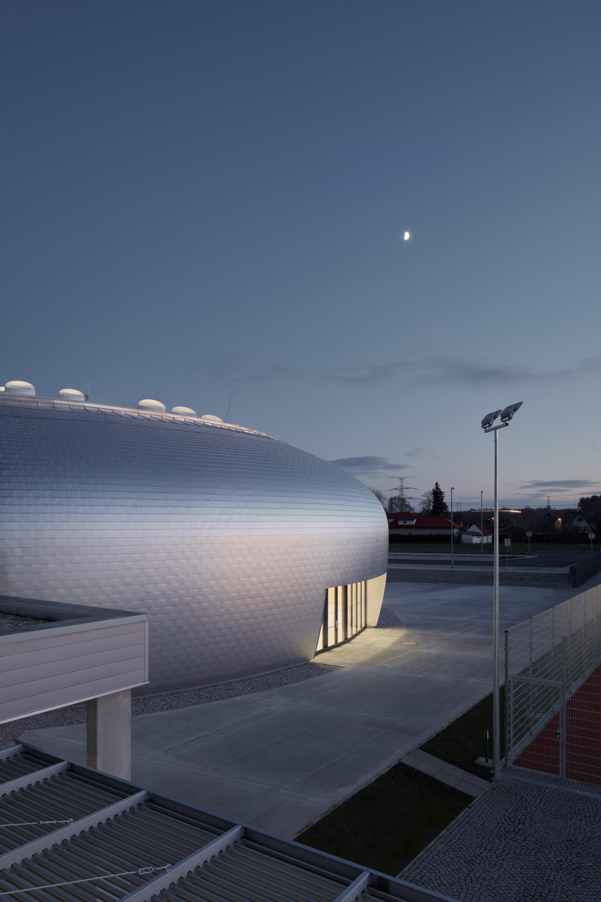ovoid-sports-dome-moss-and-fog-13