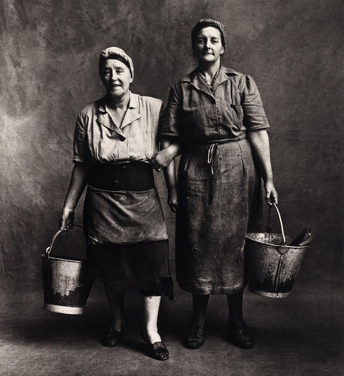 charwomen_london_1950
