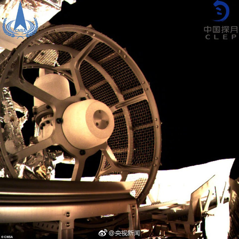 8102724-6556889-This_picture_of_Yutu_2_was_taken_from_the_lander_as_the_rover_wa-a-1_1546593785139-2