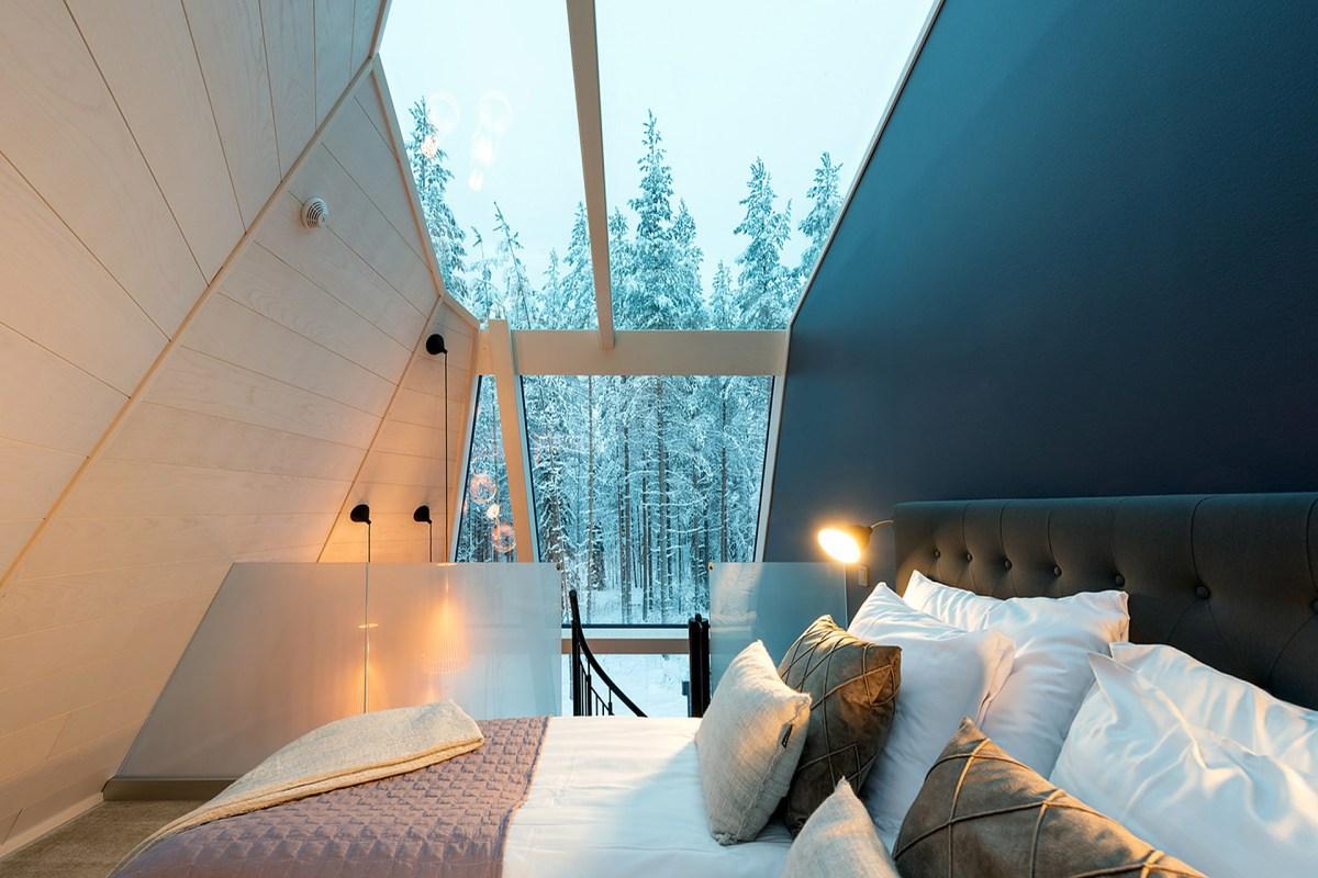glass-resort-3