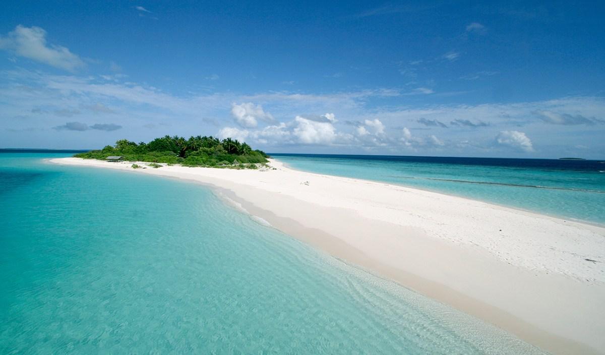 maldives island sand