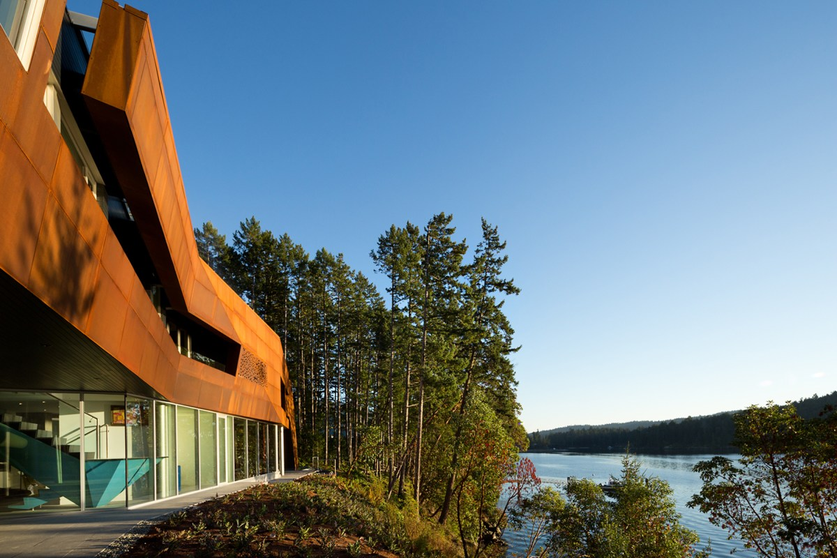 Gulf+Islands+Vancouver+lake+house-2