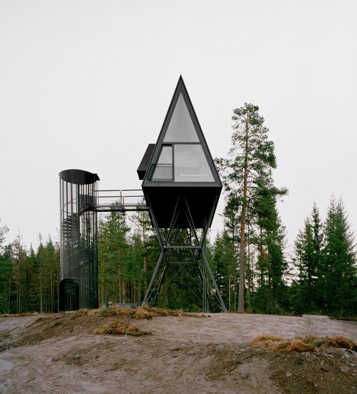 pan-treetop-cabins-espen-surnevik-woodland-architecture-norway-_dezeen_2364_col_8