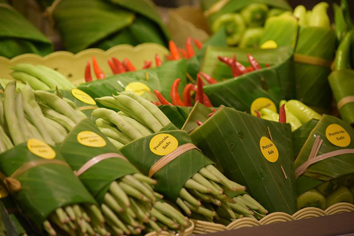 environment-ecology-supermarket-leaves-packing-plastic-reduce-thailand-2-5cab071e54b7f__700