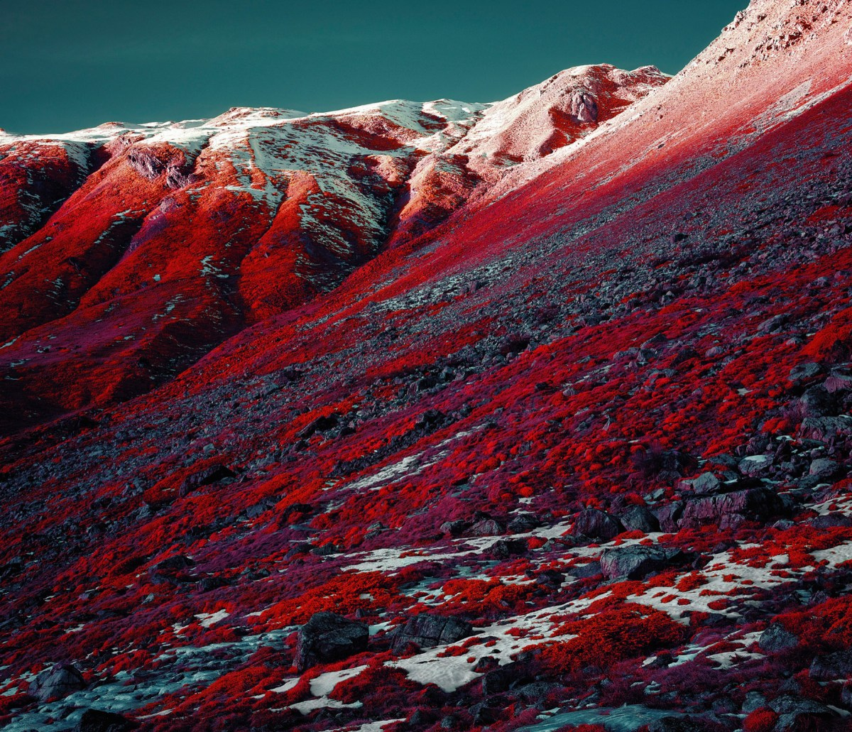 Alps-infrared-moss-and-fog-4