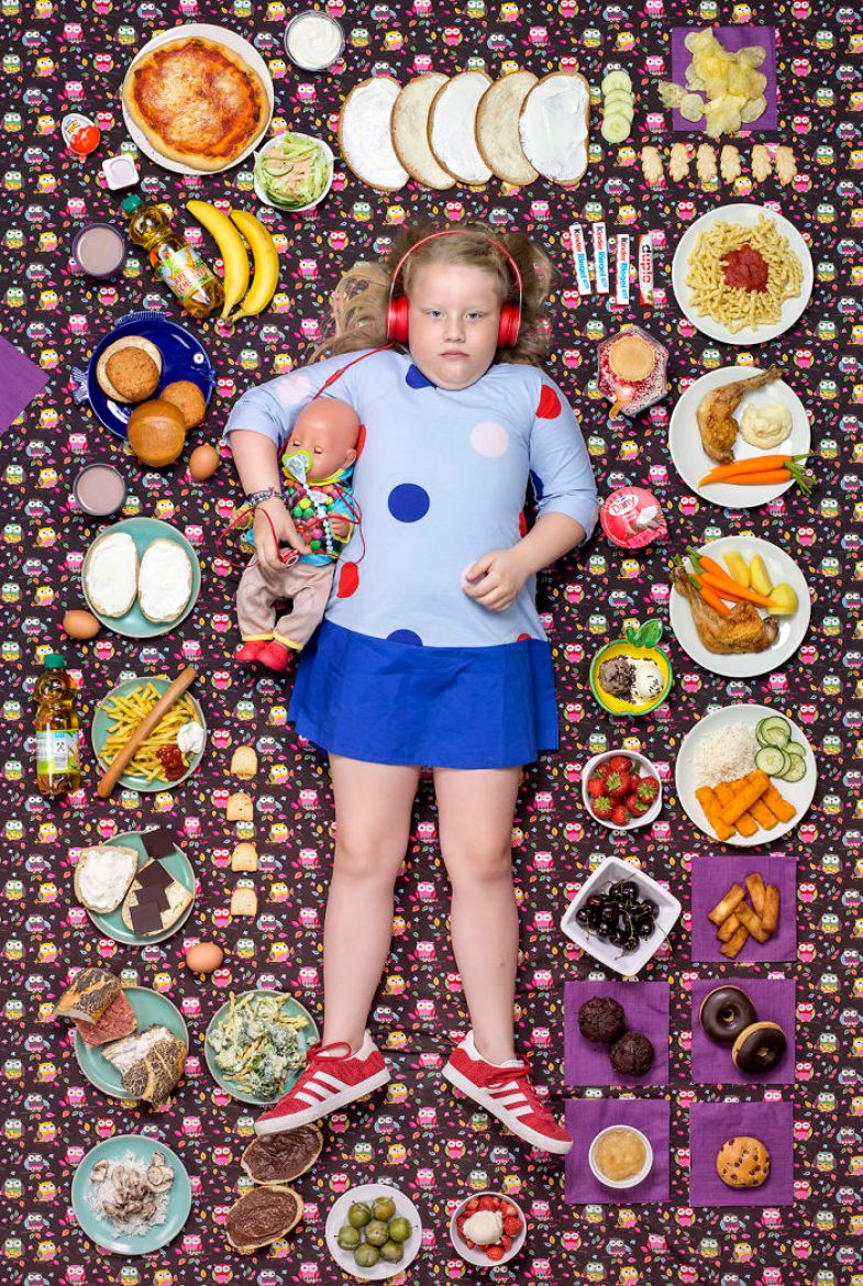 kids-surrounded-weekly-diet-photos-daily-bread-gregg-segal-3-5d11c0ce3f9fa__700