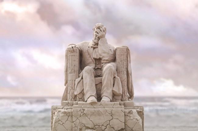 Liberty Crumbling sand sculpture