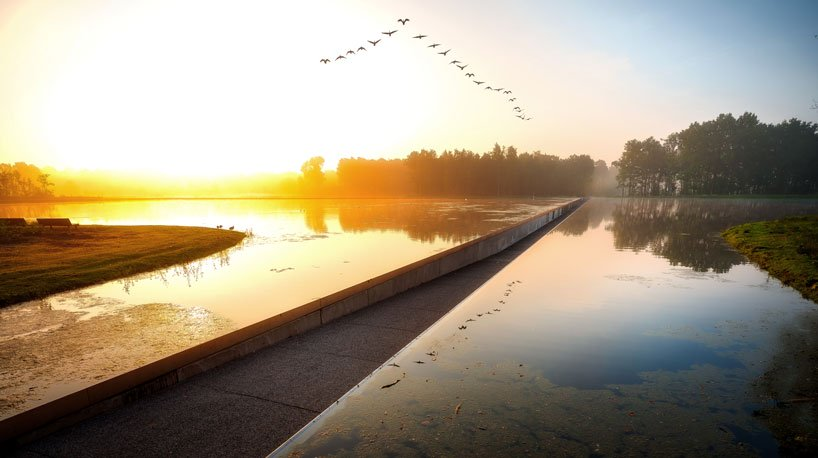 burolandschap-cycle-through-water-2