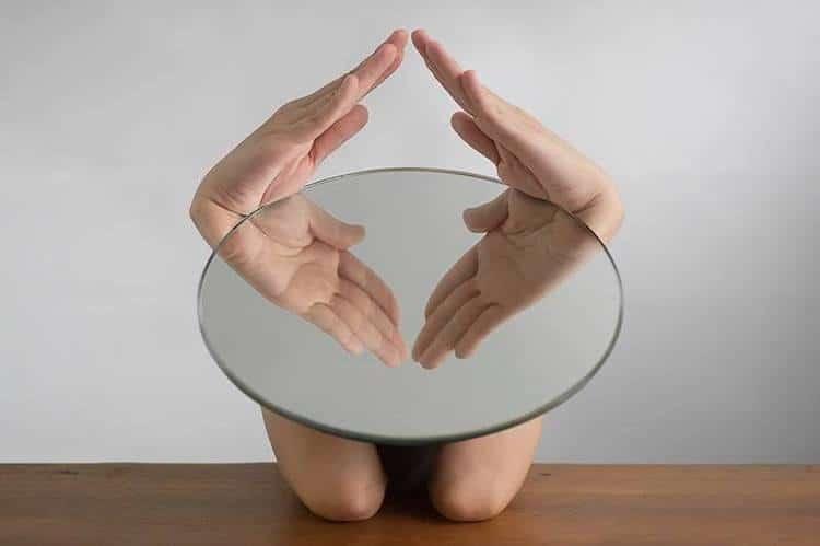 yungcheng-lin-mirror-photographs-6