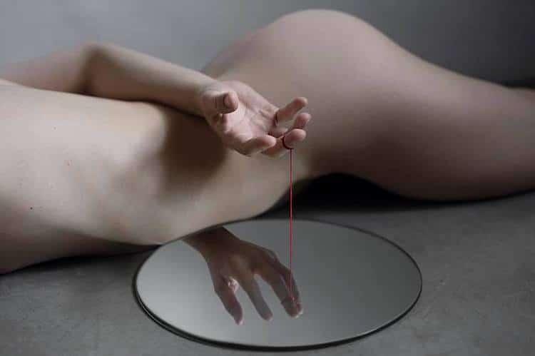 yungcheng-lin-mirror-photographs-7