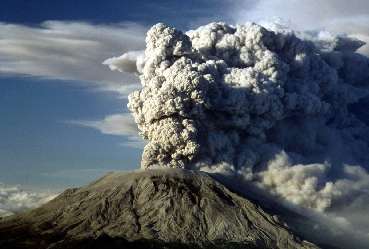 Mount St. Helen's erupts on July 22, 1980 in Washington State. (AP Photo)