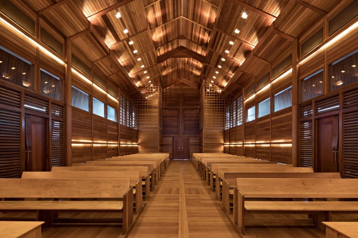 oikumene-church-wood-indonesia-tsds-moss-and-fog-7