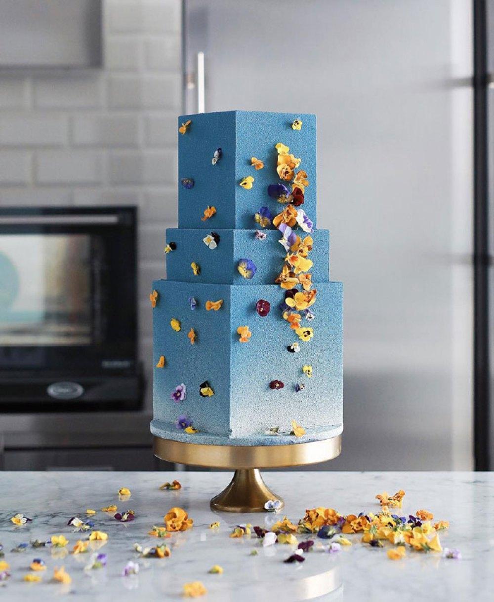 tortik-annushka-artistic-cakes-designs-25-5e82fdf5f0a0d__700