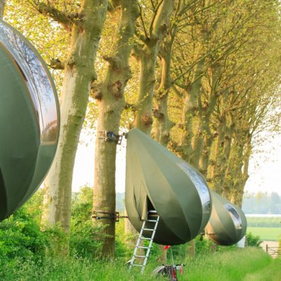 teardrop-shaped-tents-belgian-forest-designboom-1800