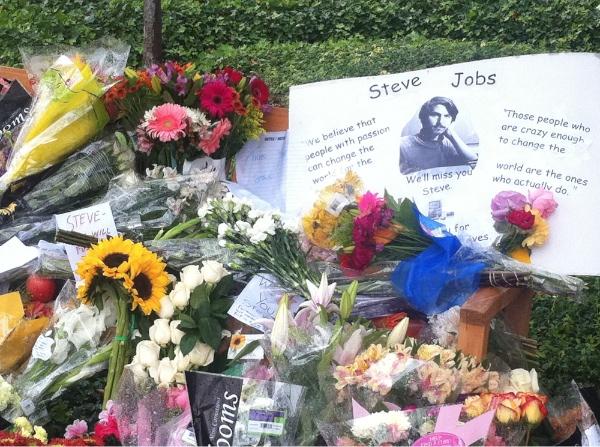 Cupertino - la mort d'Steve Jobs