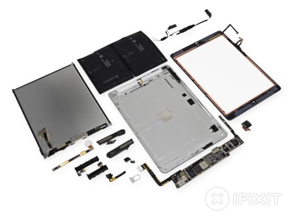 Components de l'iPad Air desmuntat per iFixit