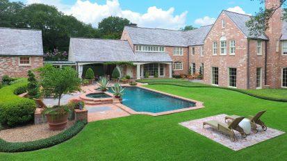 Backyard Oasis – River Oaks, Houston