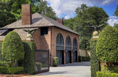 Longfellow Gardens - Carriage House