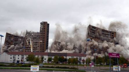Tarfside Oval flats demolition