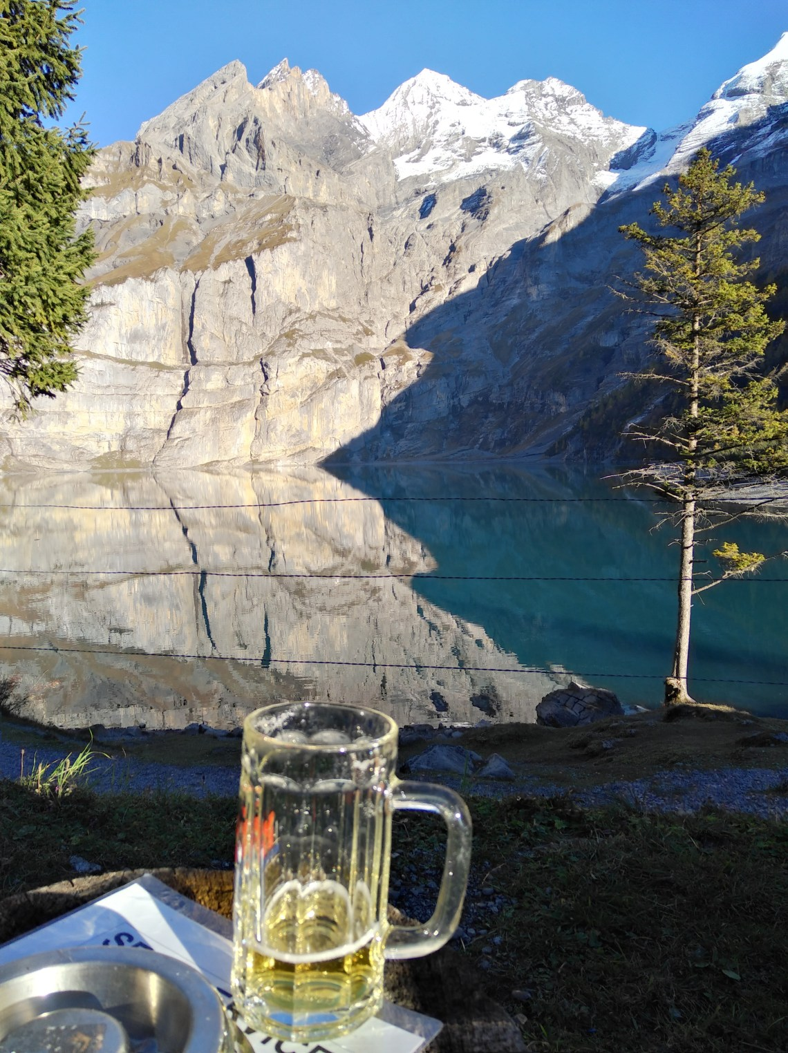 Bier am Oeschinensee